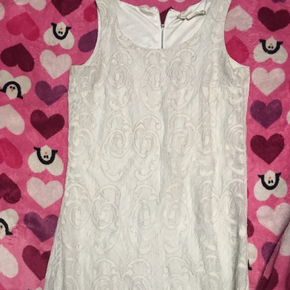 Dresses & Skirts - White shorty dress